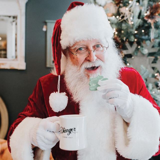 Wayfarer Photography - Santa at The Dienger Trading Co.
