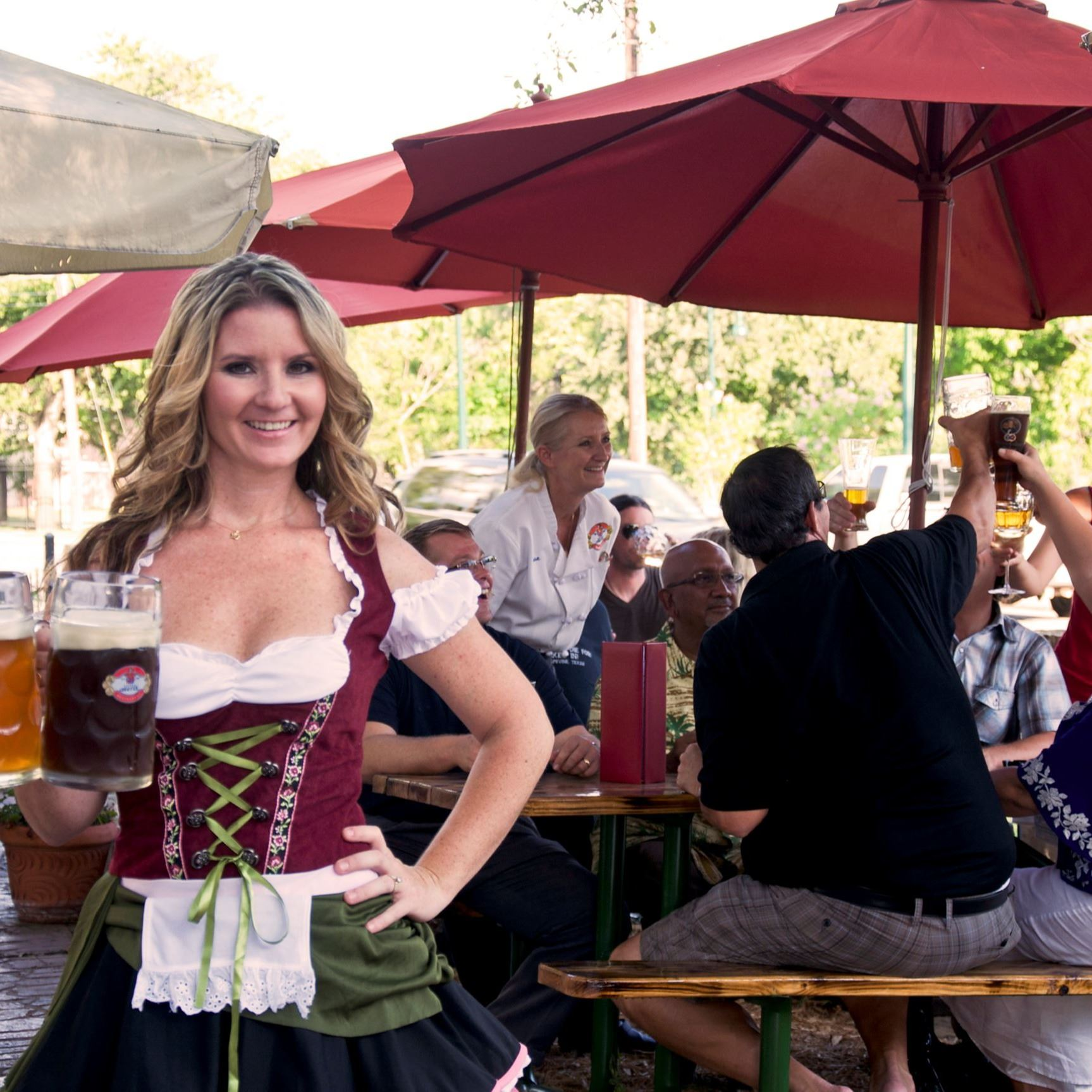 Little Gretel's-Beer Waitress